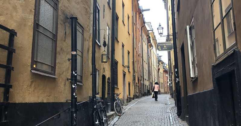 Gamla-Stan-Neighborhood-Guide-Västerlånggatan