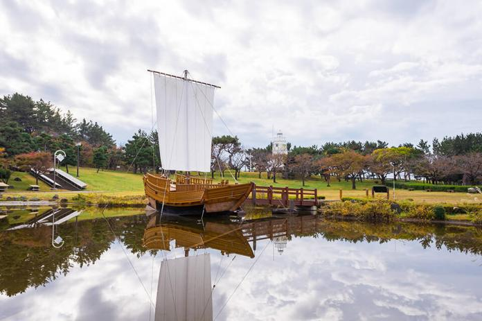 Hiyoriyama Park is the place where it is said that Kitamae ship's sailors saw the weather before sailing