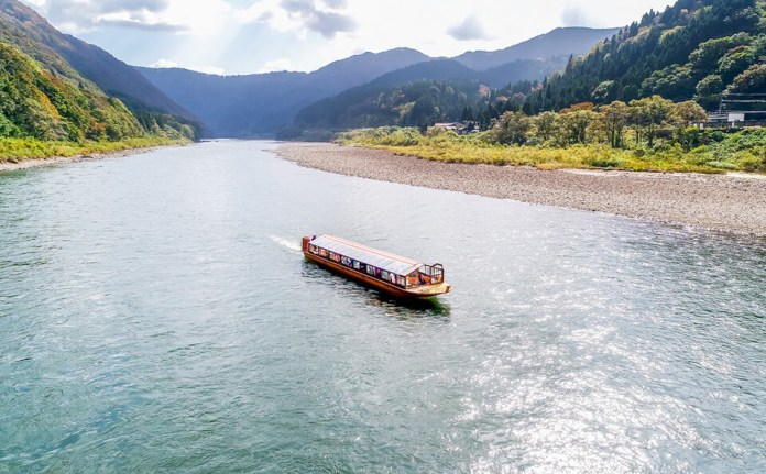 Amazing Scenery of Mogami River Boat Ride