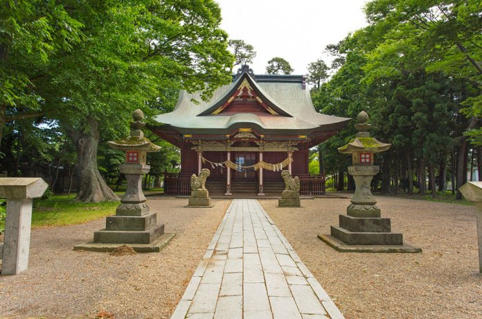 Amarume Hachiman Shrine is said to be the god of industrial development, fertile harvest, easy delivery, and victory