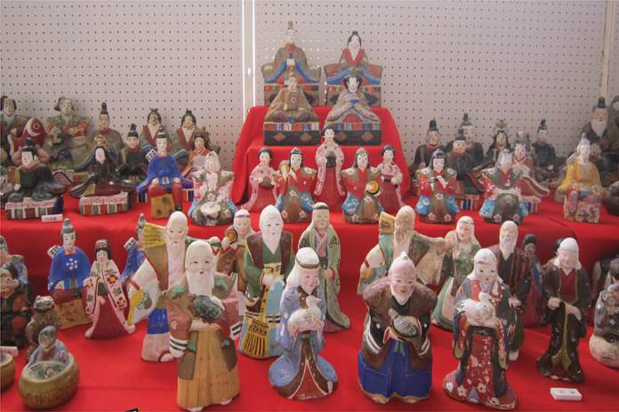 Charming Hina Dolls of Tohoku region with a historical background