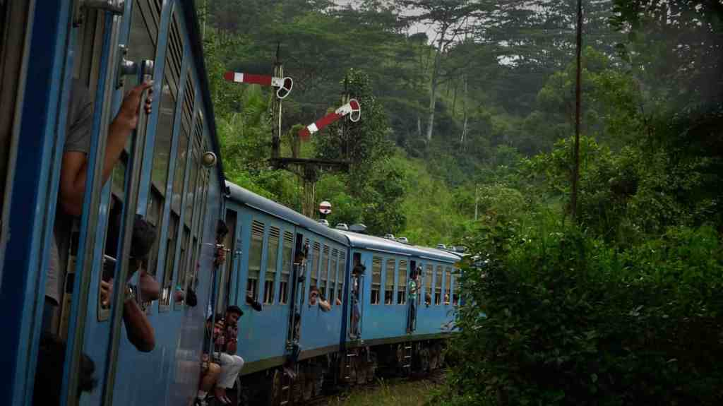 Nuwara Eliya, take the train