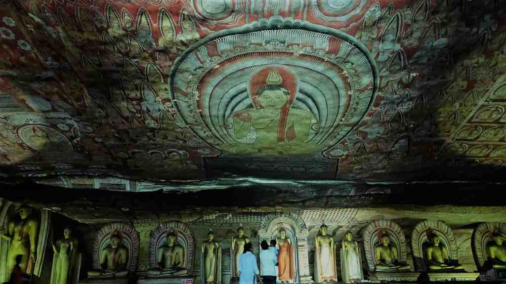 Best things to do in Sri Lanka - Dambulla Cave Monastery