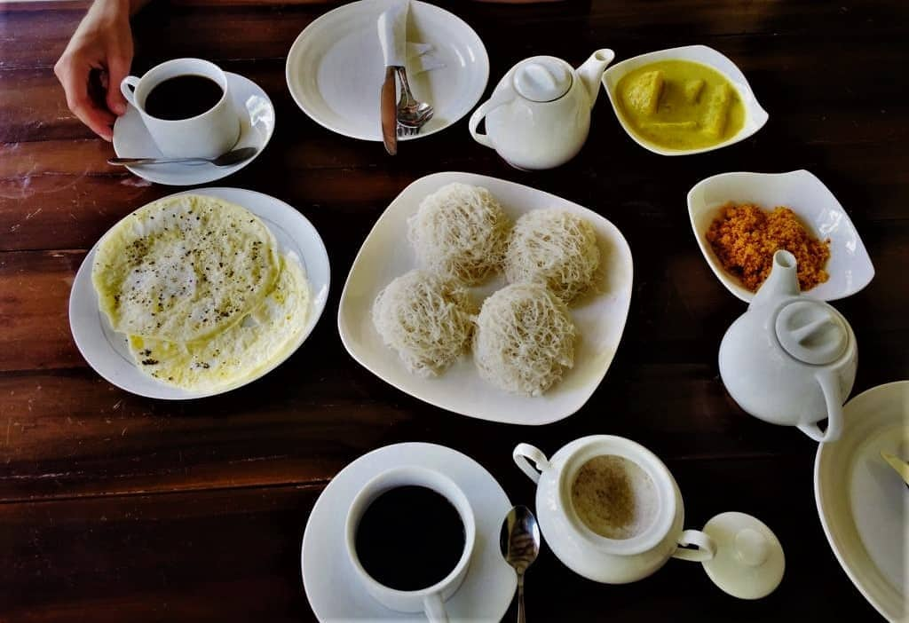 Save on food in Sri Lanka; include meals in your home stay