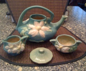 Roseville Tea Set