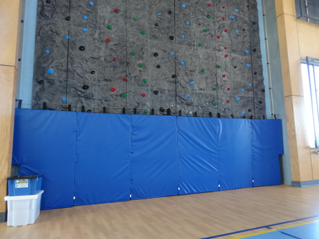 Rock Climbing Wall with Safety Matting