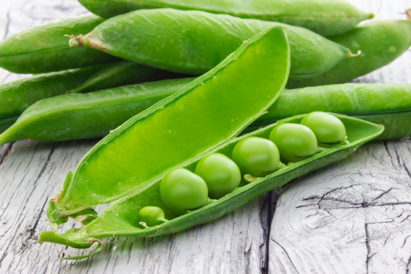 green peas - 7 Spring Fruits & Vegetables