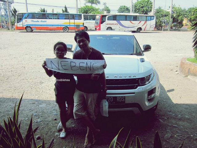 Hitchhiker Indonesia Vera