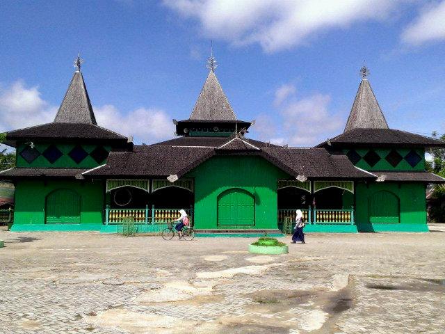 Sultan Suriansyah Mosque banjarmasin