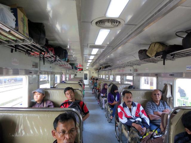 train to baduy