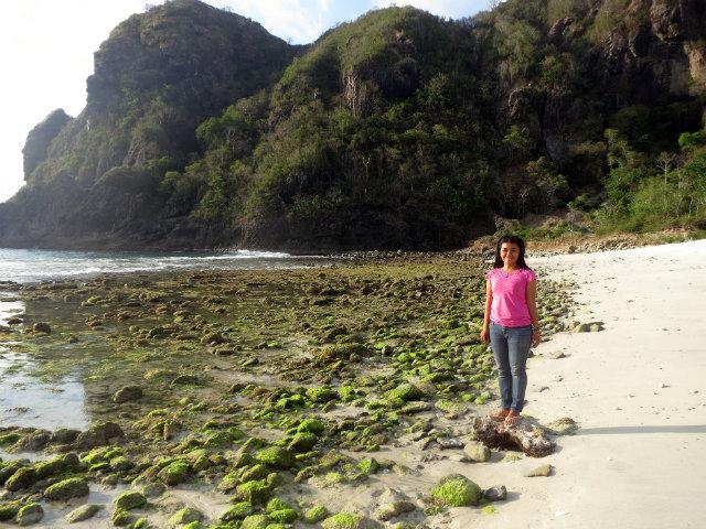 sumbawa lawar beach