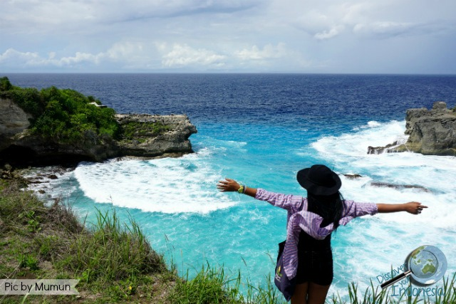 blue lagoon cliff jump at ceningan