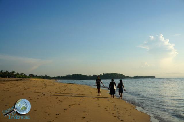 mengiat beach nusa dua