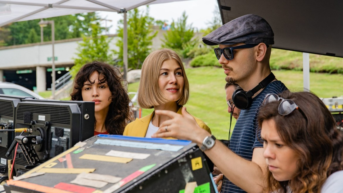 Eiza Gonz‡lez, Rosamund Pike, and Director J Blakeson on the set of the Netflix film I Care A Lot.