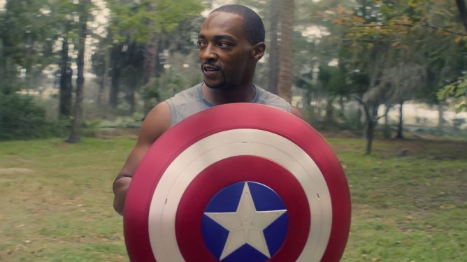 Anthony Mackie as Sam Wilson training with the Captain America shield as seen in Episode 5 of The Falcon and the Winter Soldier.