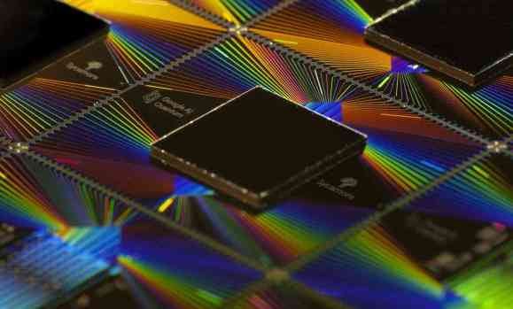 "Google achieves ""quantum supremacy"" with the 54-qubit Sycamore processor"