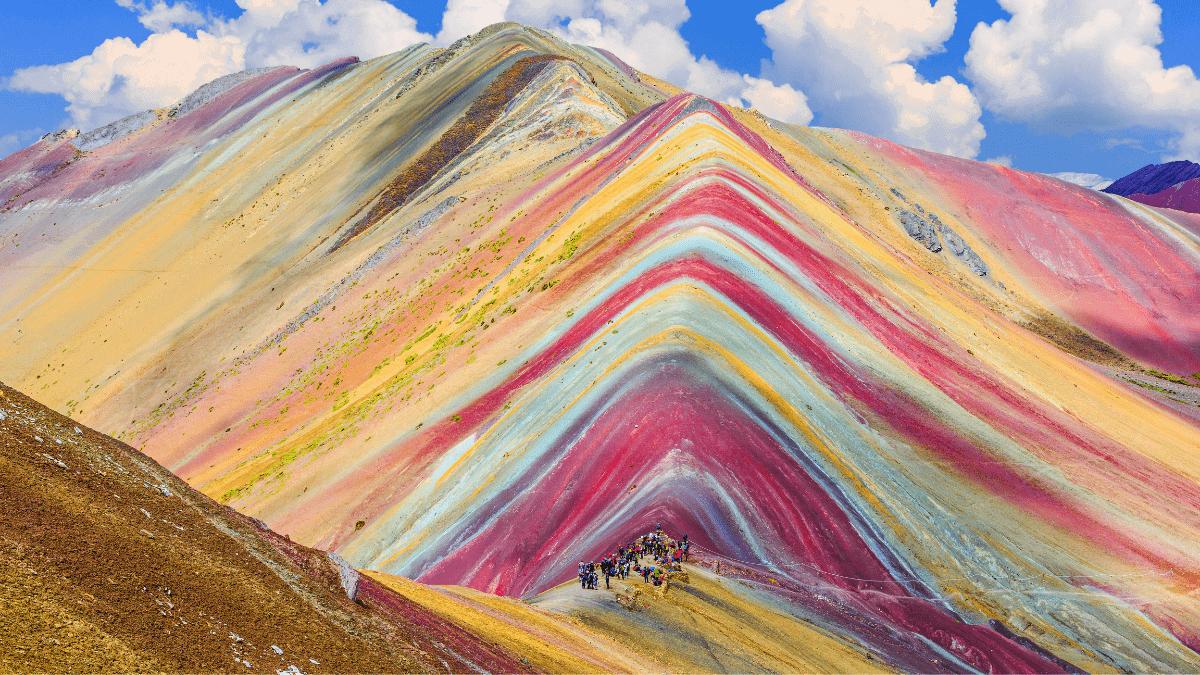hiking rainbow mountain peru