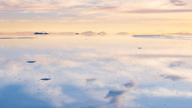 salt flats of Salar de Uyuni, Bolivia 4