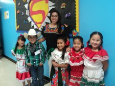 ms-ortega-and-1st-grade-students