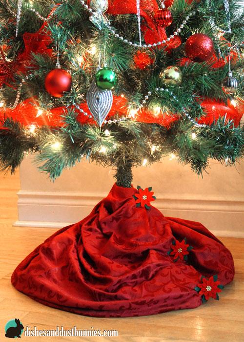 Dollar Store DIY Christmas Tree Skirt