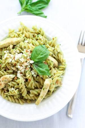 20 Minute Pesto Chicken Pasta from Leelalicious