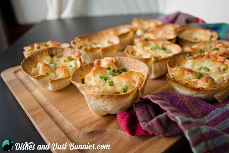 Crab Rangoon Cups from dishesanddustbunnies.com