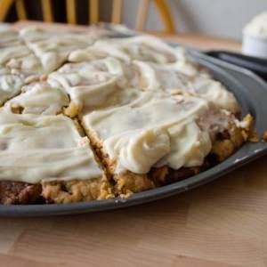 Cinnamon Roll Dessert Pizza