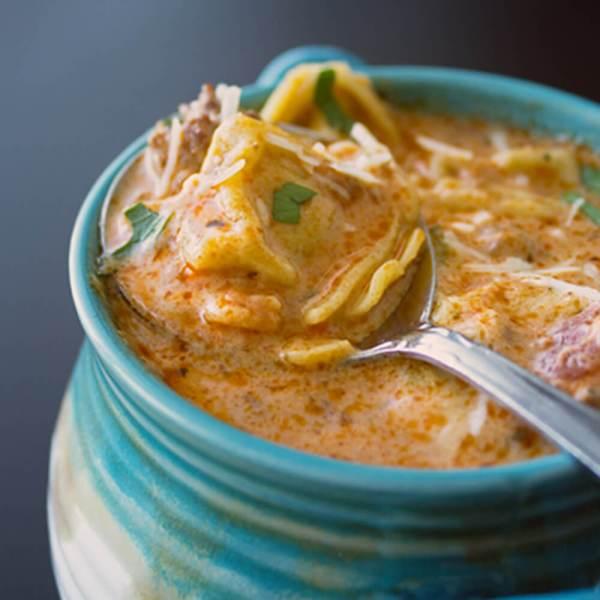 Slow Cooker Creamy Tomato Tortellini Soup