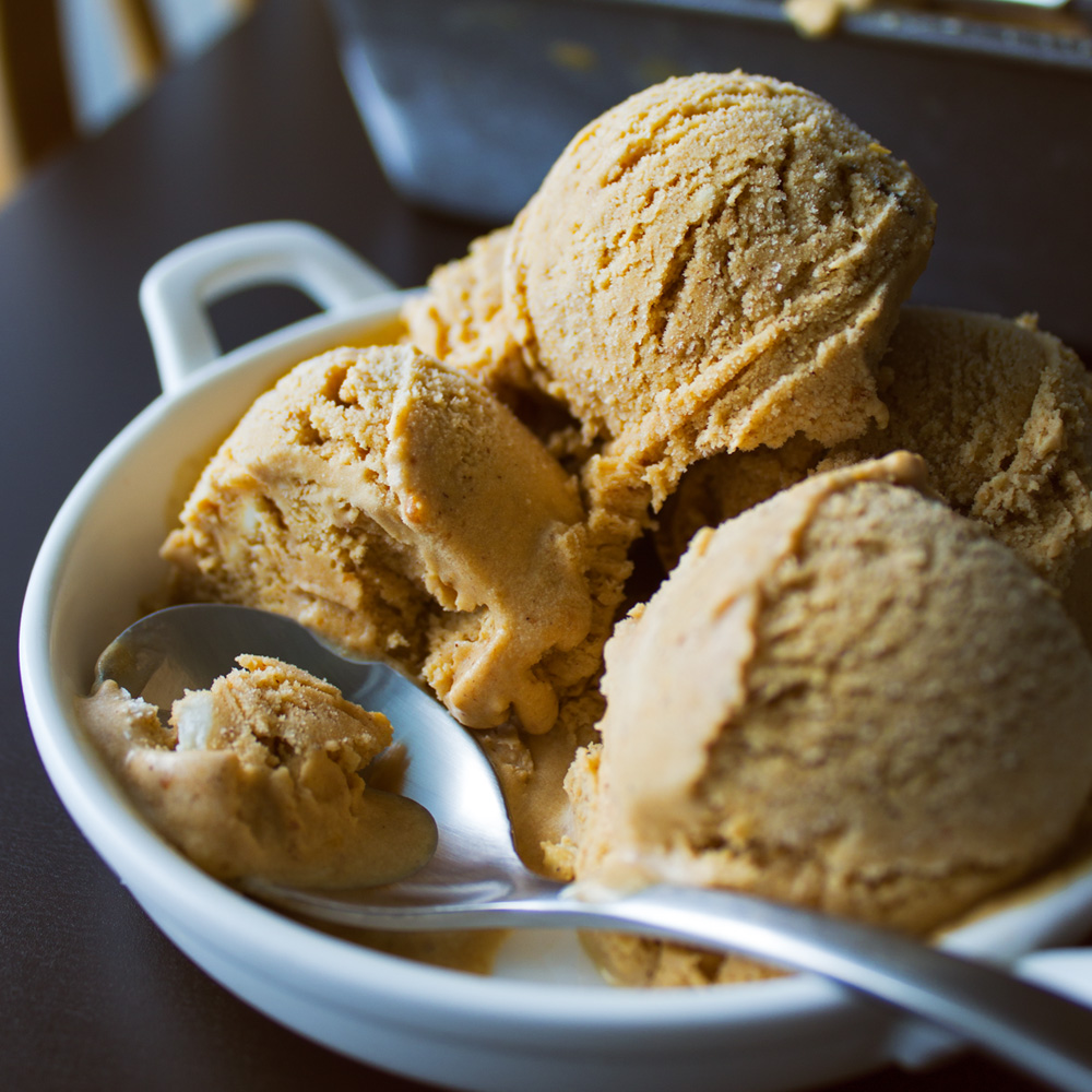Pumpkin Spice Latte Ice Cream from Dishes & Dust Bunnies