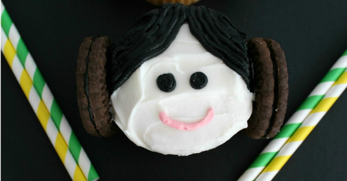 Star Wars Princess Leia Cupcakes from Totally The Bomb