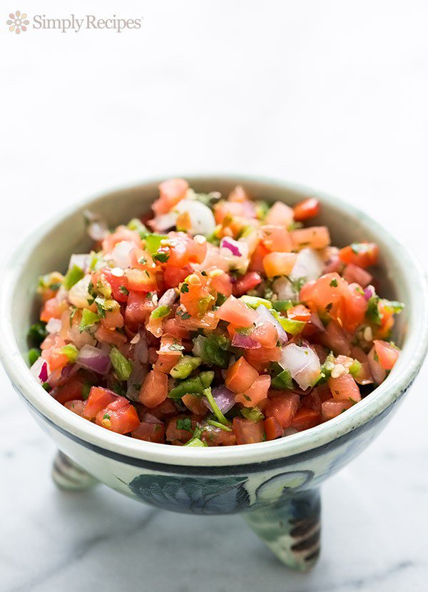 Fresh Salsa Recipe (Salsa Fresca) from Simply Recipes