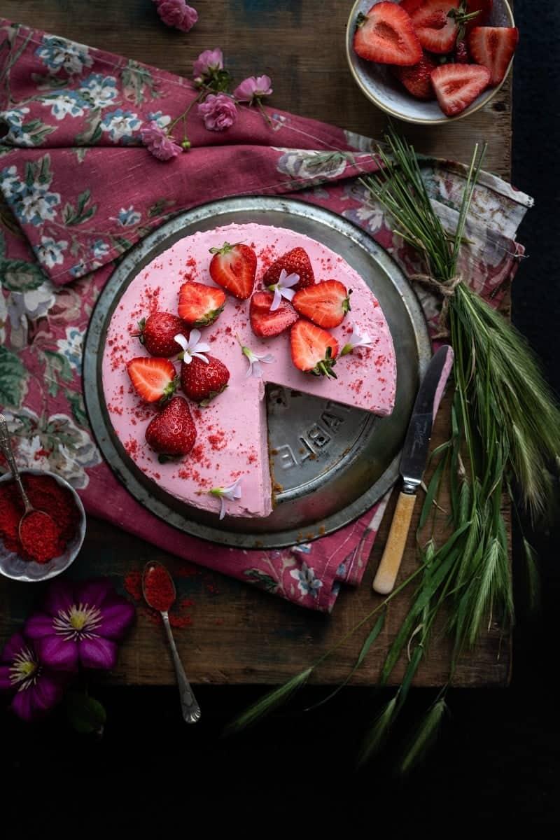 No Bake Strawberry Cheesecake from Supergolden Bakes
