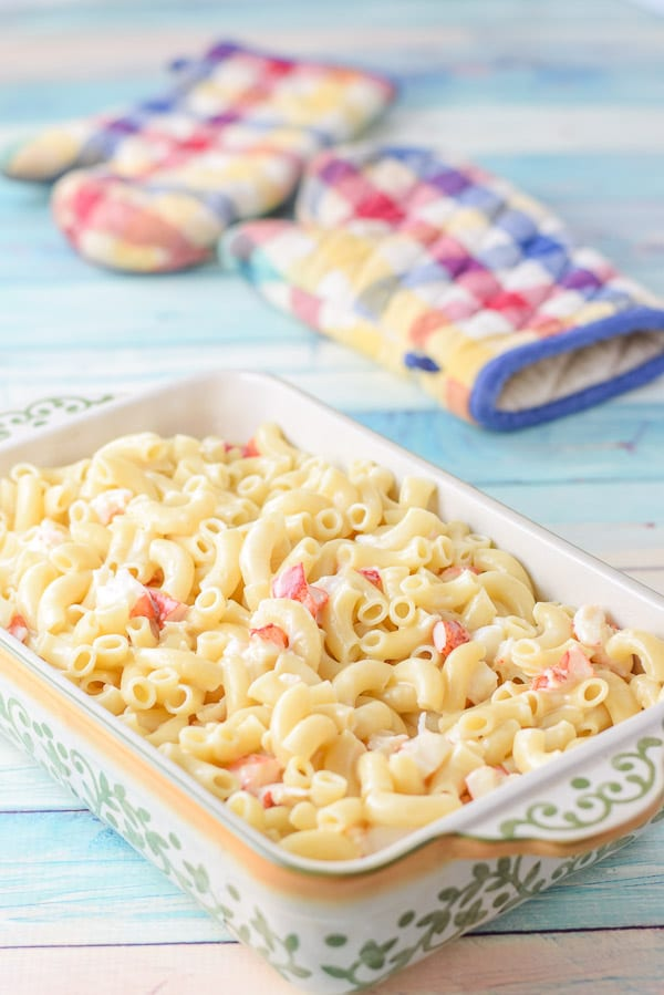 The elbows, lobster and cheese sauce in a baking dish