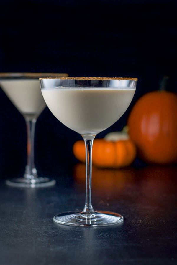 Vertical view of the bowl glass filled with the pumpkin martini