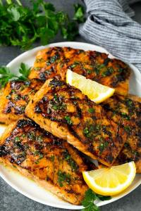 grilled salmon with lemon wedge