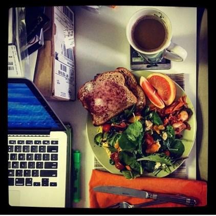 Desk & Breakfast
