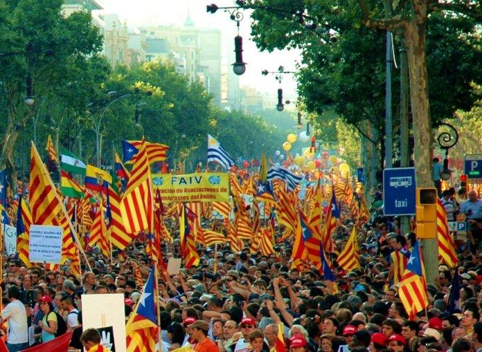 Nacionalismo excluyente y populismo: dos primitivismos políticos
