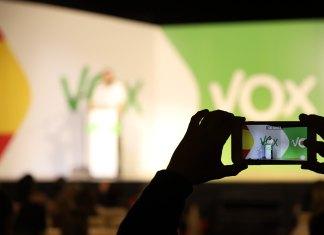 El dilema de Vox: neoliberalismo o derecha identitaria