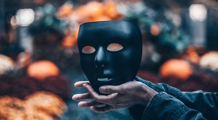 La farsa identitaria: cómo ser alguien sin ser nadie