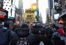 La larga ola de la ideología: de los escombros del muro a Black Lives Matter