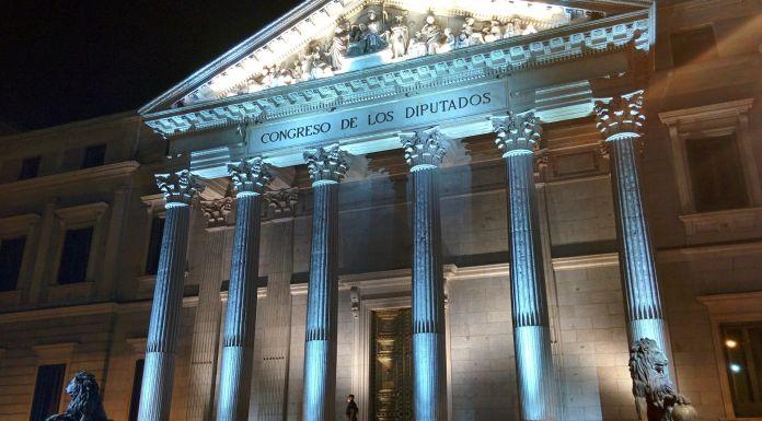 Dioses, instituciones y hombres