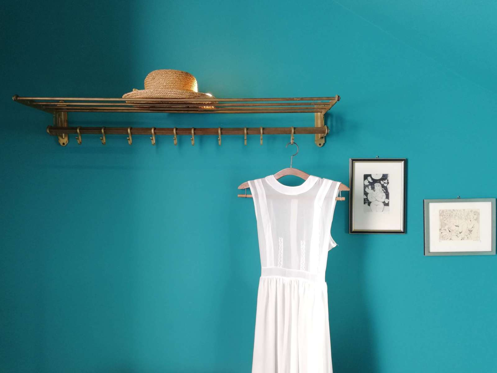 cottagecore aesthetic white dress and straw hat