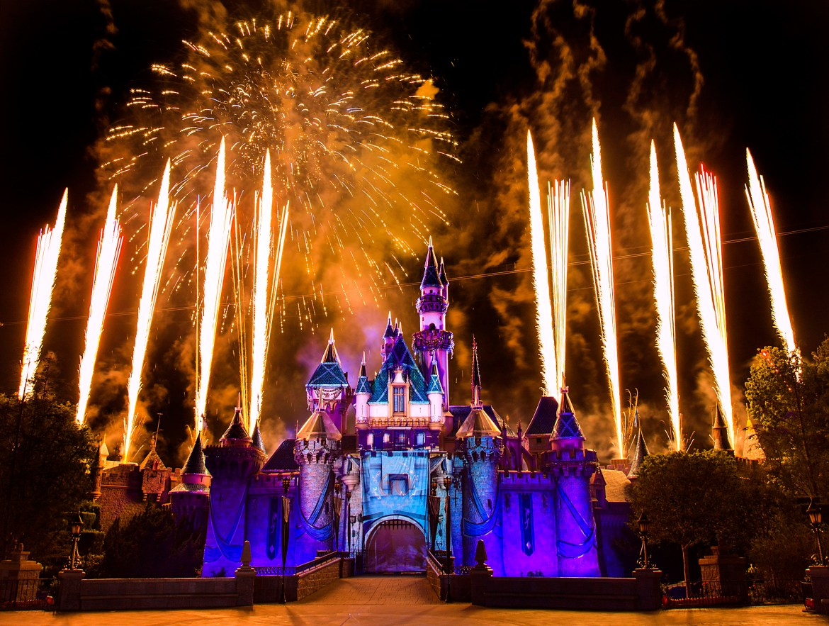 When Will 2017 Disneyland Packages Go on Sale?