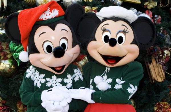 What's the Difference Between Disney Very Merriest After Hours & Mickey's Very Merry Christmas Party? 3