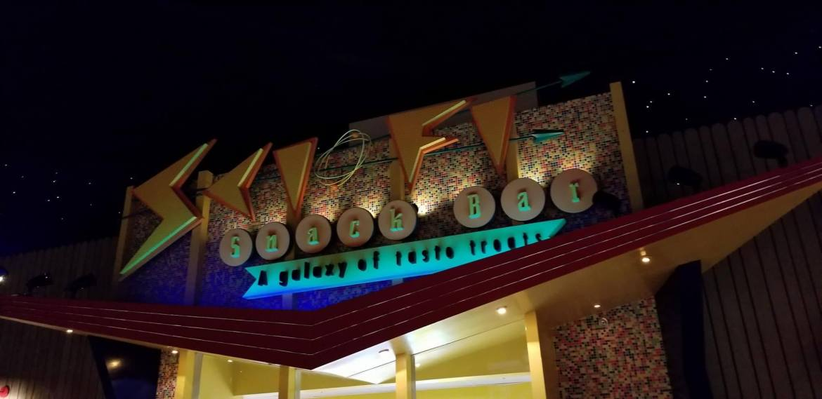 6 Reasons Why Sci-Fi Dine-In Theater Restaurant Should Be On Your Disney Must-do List