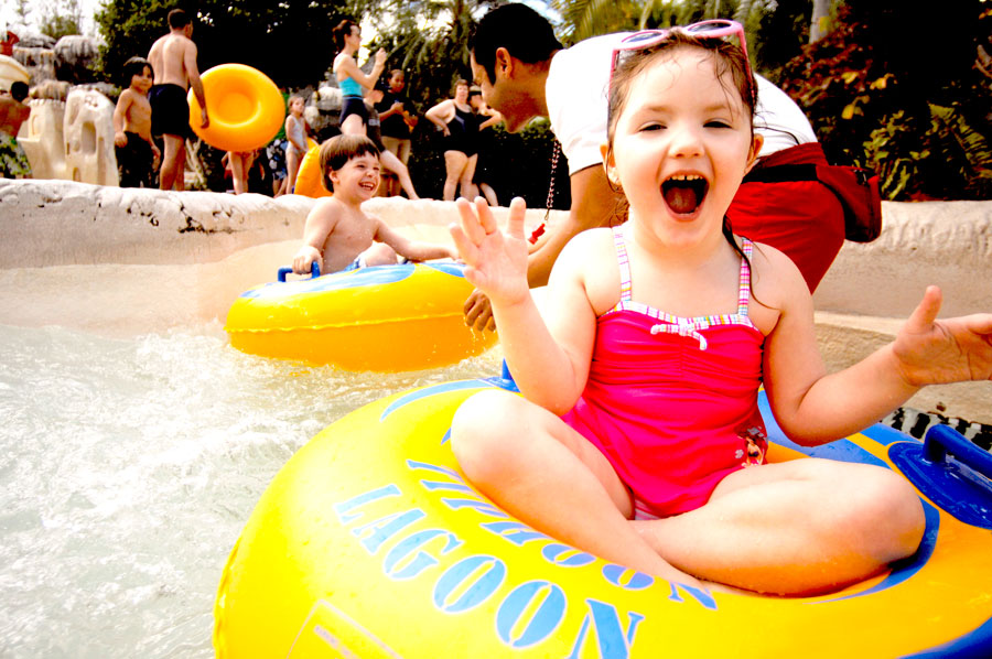 Helpful Tips for Families Visiting Disney's Water Parks With Little Ones