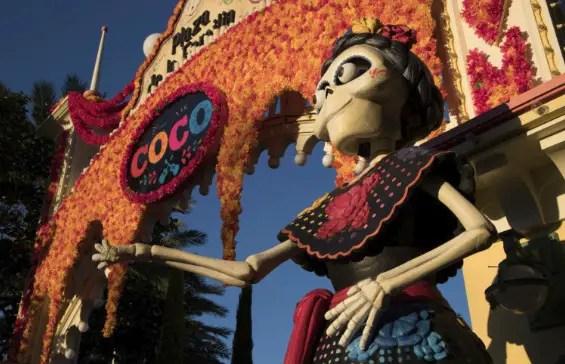 6 Ways To Celebrate Día de los Muertos at Disneyland Resort
