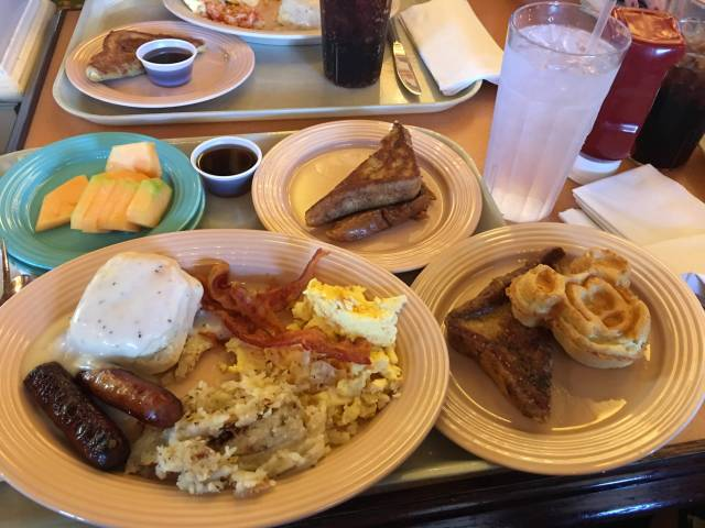 Can Adults Order Kid Meals While at Walt Disney World