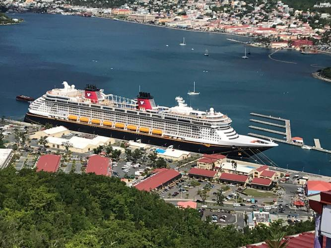 How do I get from the airport or Disney to Port Canaveral?