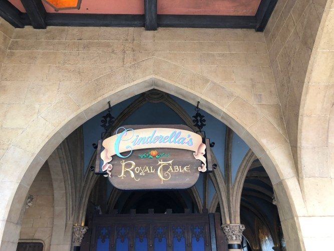 What Restaurants Require 2 Table Service Credits at Walt Disney World?